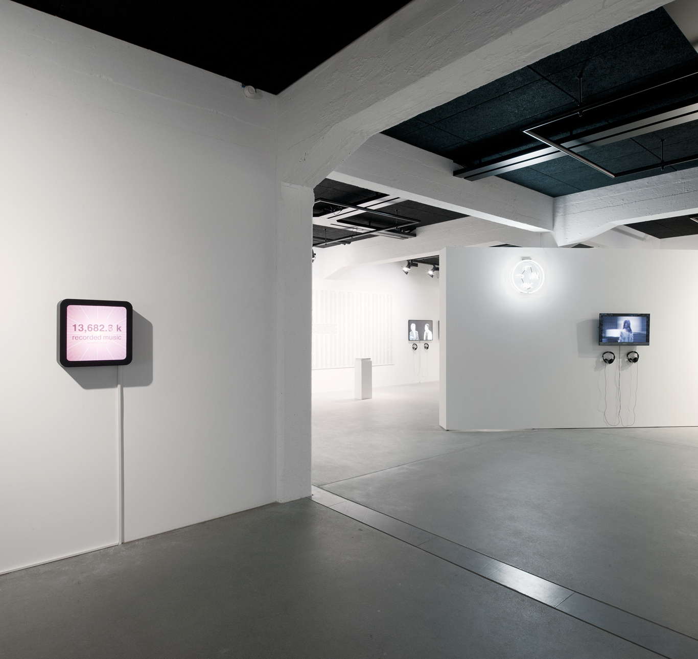 Works by Rafael Lozanno-Hemmer (left) and Jennifer Lyn Morone (near right). Photo: Marco Frauchiger